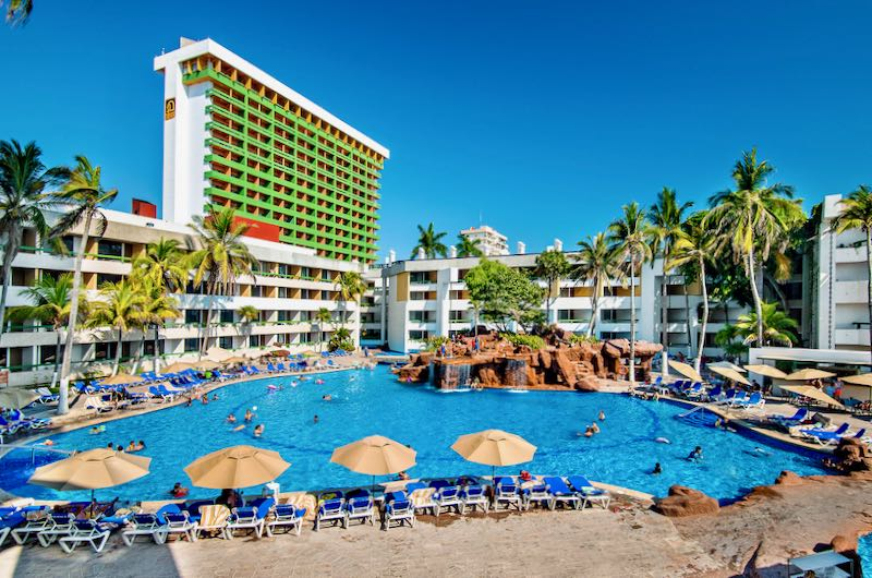 All inclusive resort for families in Mazatlán.